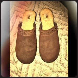 Leather UGG clogs